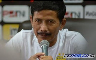 Persib Diimbangi Borneo FC, Djanur Salahkan Essien yang Gagal Penalti