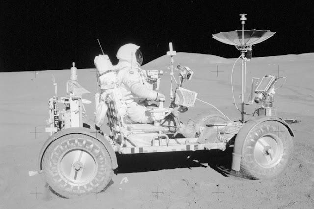 Primele cercetari spatiale in cadrul programului Apollo