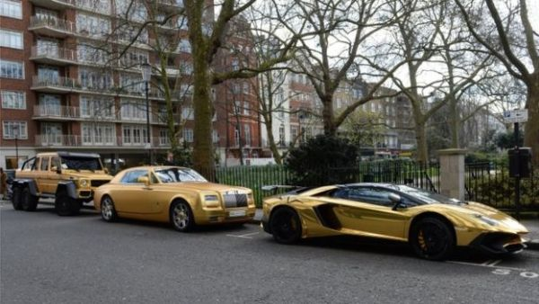 4 Saudi Billionaire On Vacation In London Brought 4 Gold Plated