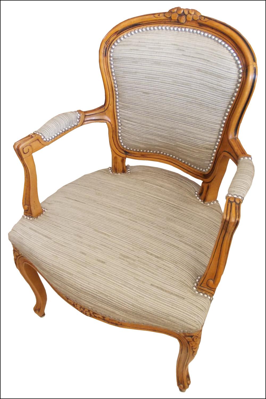 renat 39 art un fauteuil cabriolet gris. Black Bedroom Furniture Sets. Home Design Ideas