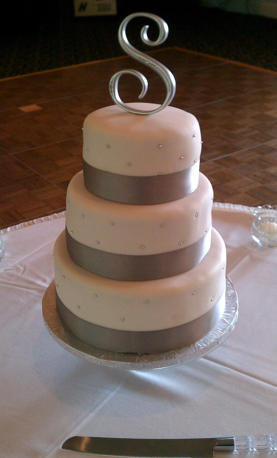 Cranberry Wedding Cake