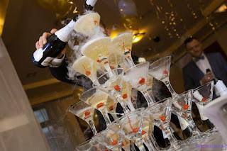 алкоголь, бармен, пирамида, праздники, свадьба, угощение, шампанское, шоу, юбилей, шоу барное, шампанское свадебное, <a href=