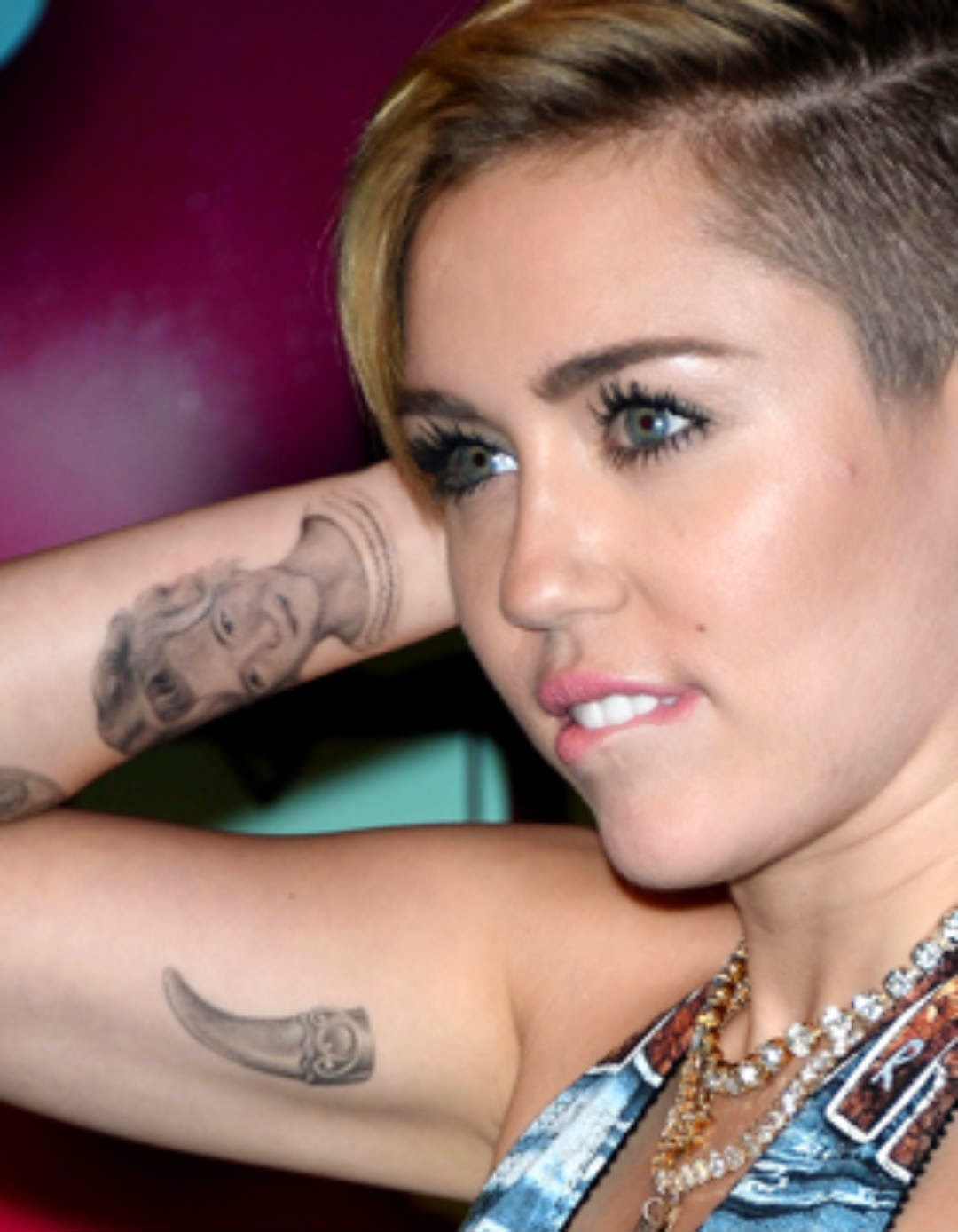 Miley Cyrus Tattoo HD Images -o- | Wallpaper Picture Photo