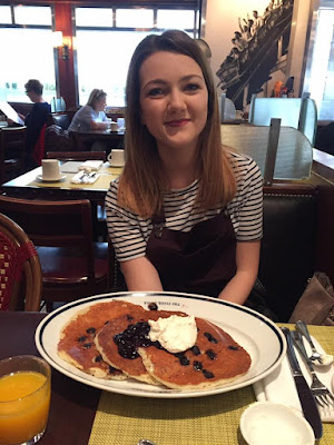 New York pancakes in a diner