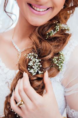 wianek%2B%25C5%259Blubny - Ozdoby ślubne do włosów - dlaczego nie wianek zamiast welonu?