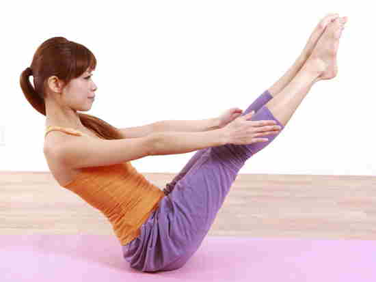 Boat Pose to reduce belly fat