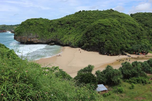 Pulau Kalong, Tempat Menguji Nyali Baru di Gunungkidul