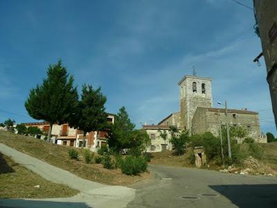 subida a la iglesia e inicio de la calle principal de las bodegas