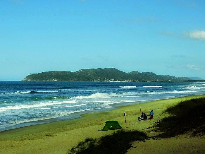 """Praia de Moçambique ou """"Moçamba"""", em Florianópolis"""