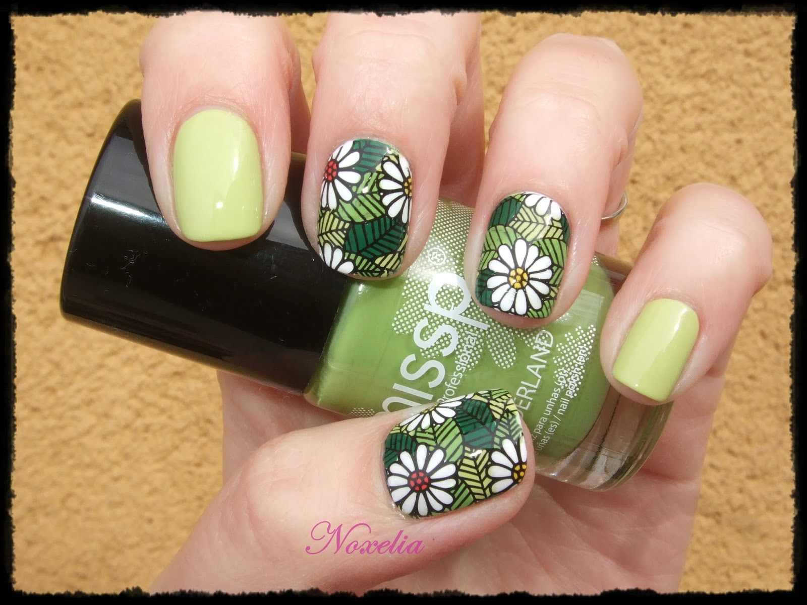 Noxelia: Stamping nail art: Beauty BigBang. Look de uñas Nº 425