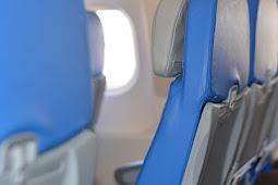 Alasan Memilih Kursi Pesawat di Bagian Belakang Adalah yang Paling Aman