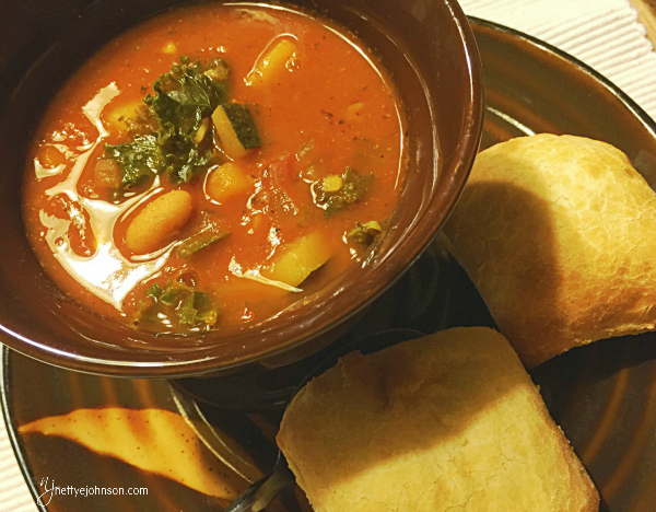 {Recipe} Hearty Fire Roasted Tomato, Kale and White Bean Soup