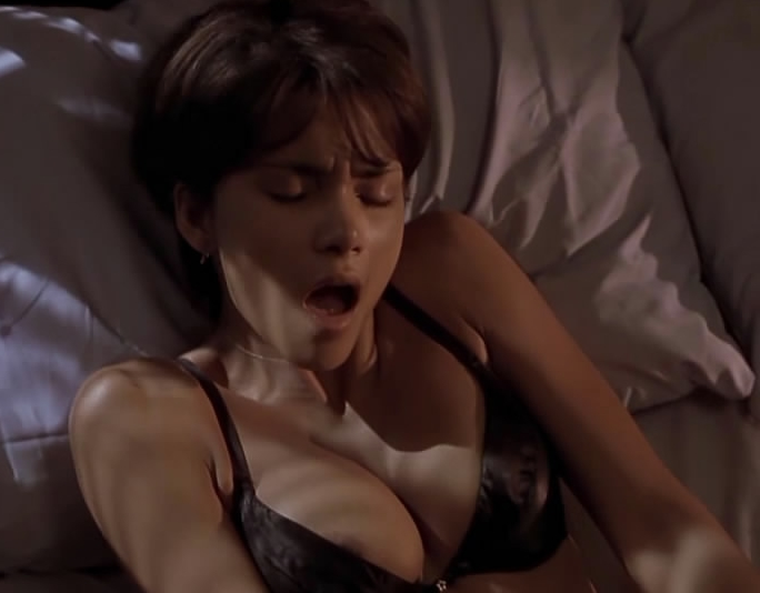 Halle Berry monsters ball sex scene  XVIDEOSCOM