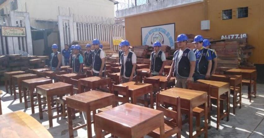 QALI WARMA: Internos de penal de Pucallpa fabrican mesas y sillas para escolares de Ucayali - www.qaliwarma.gob.pe