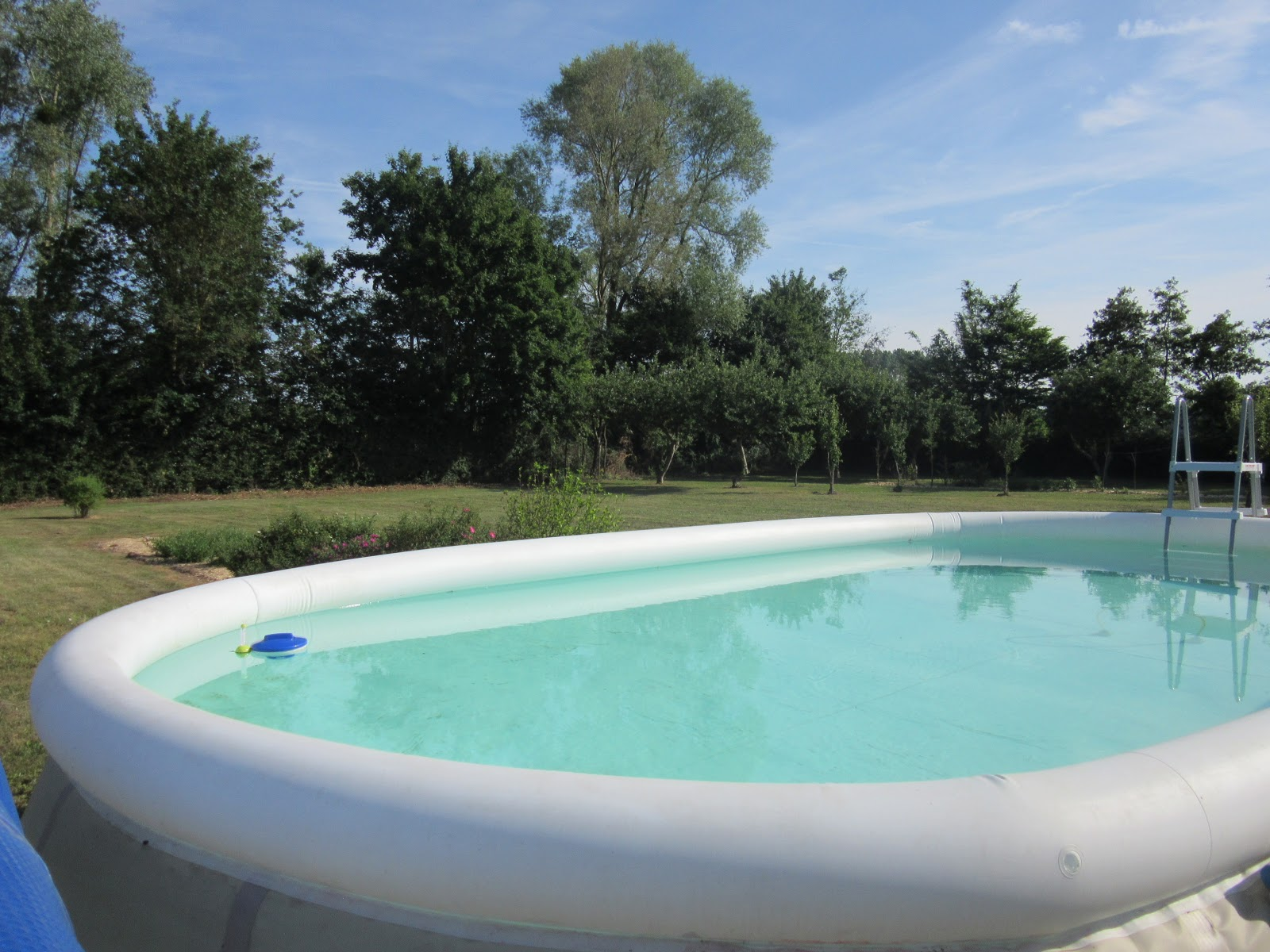 Loire valley hollidays cottage c la piscine for Piscine vallet