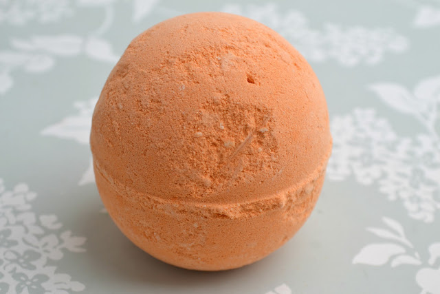 Yoga Bomb Bath Bomb by Lush