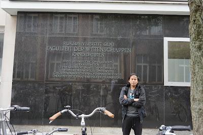 Depan Fakultas Sains Gent