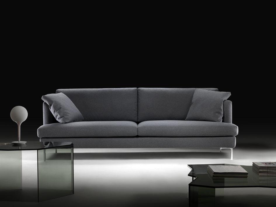 Idee e consigli per arredare un salotto piccolo tino mariani - Consiglio divano ...