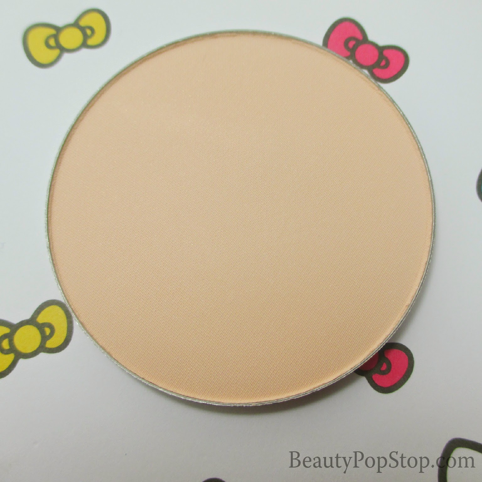 inglot freedom system illuminizing hd pressed powder 402 review