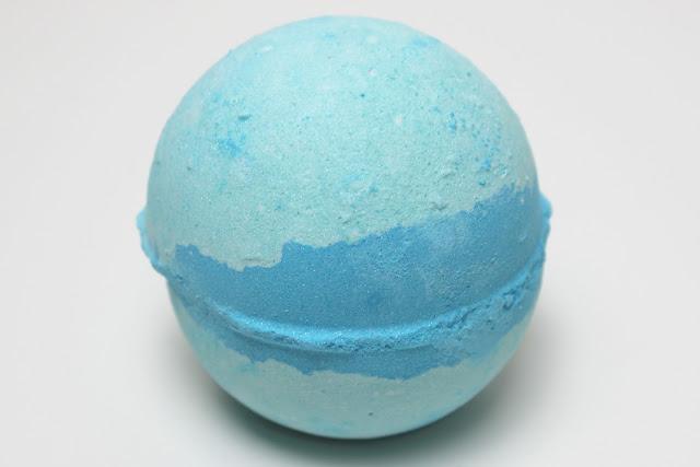 A picture of Lush Frozen Bath Bomb