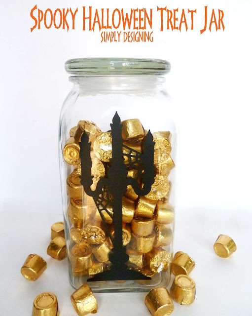 DIY Spooky Halloween Treat Jar | #vinyl #halloween #candy #trickortreat #diy