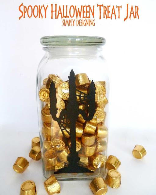 DIY Spooky Halloween Treat Jar | #vinyl #halloween #candy #trickortreat #diy