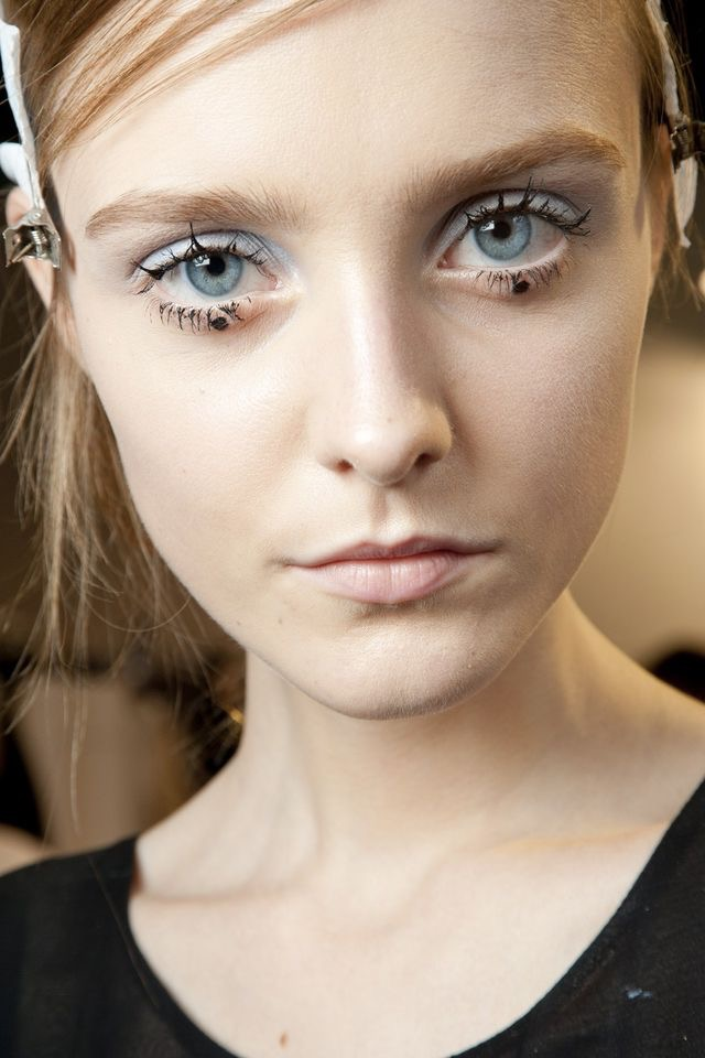 WHISPER blog: GRAPHIC #linhasgeométricas #graphic #edit #make #makeup #backstage #rochas