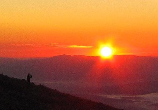 Wschód słońca z Babiej Góry. Godzina 6.36.