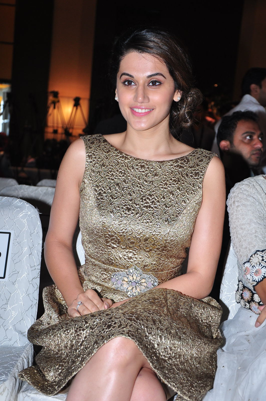 Spicy Taapsee Pannu Legs Show Images In Short Dress