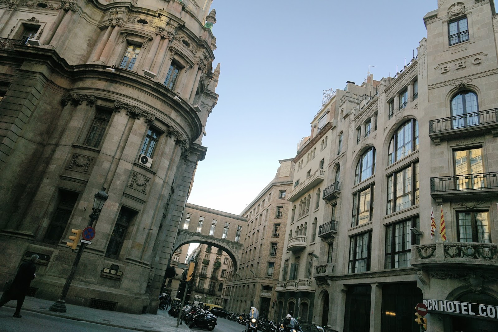 中央郵便局(Correos Central Barcelona)