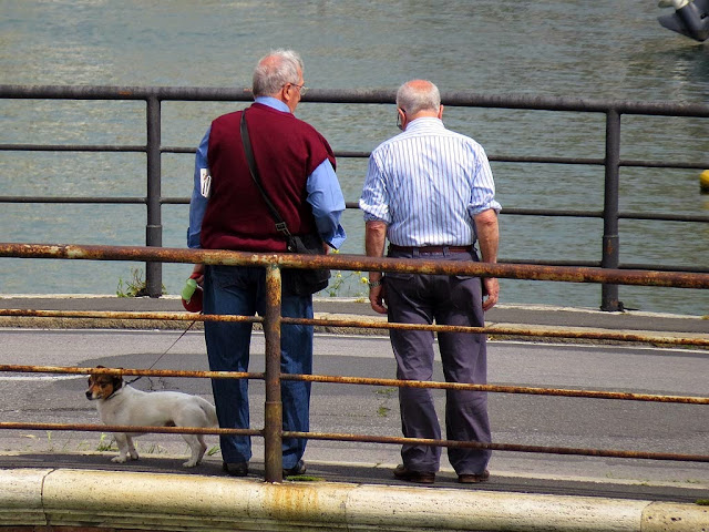 Old friends on a bridge, scali del Pontino, Livorno