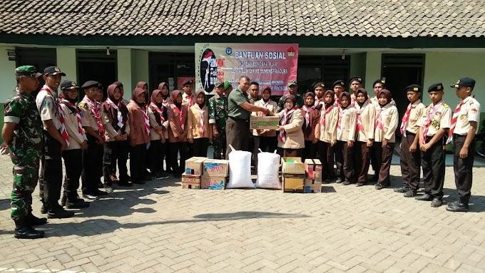 Penyerahan Bantuan Korban Gempa Sumenep Di Makoramil 0819/15 Winongan