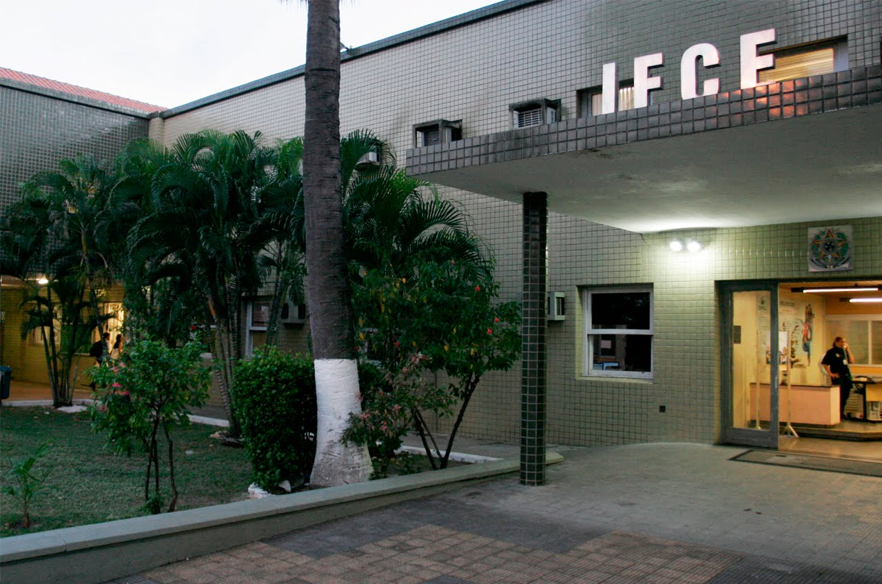 Resultado de imagem para 13 de Agosto | Servidores e servidoras do IFCE participarão da Greve Nacional da Educação