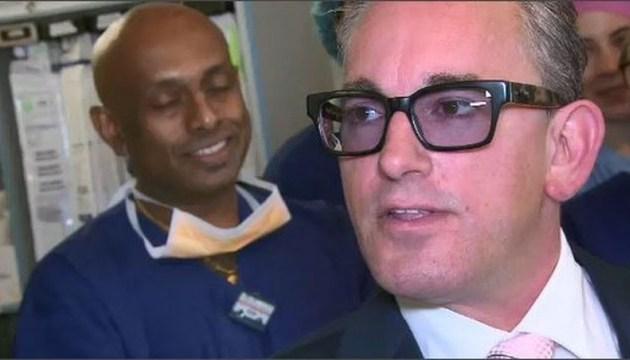Массет розкрив свою особу і здійснив пожертвування у сумі 50 тисяч австралійських доларів відділенню з лікування хвороб серця і легенів
