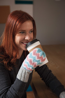 zigzag, mittens, yarn, pattern, knitting, pink, blue, white, gray, colorwork