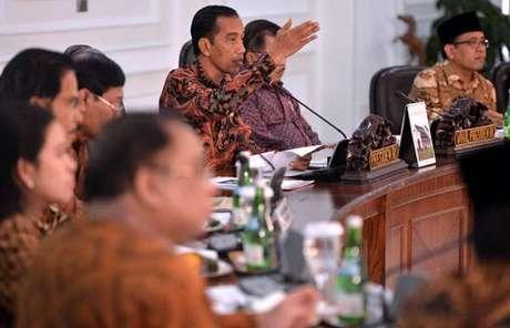 Perintah Presiden Jokowi : Kasus Penistaan Agama Oleh Ahok Tetap Akan Diproses
