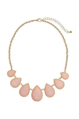naszyjnik H&M różowy kwarc kolor roku 2016 wyprzedaż w H&M blog modowy stylistka