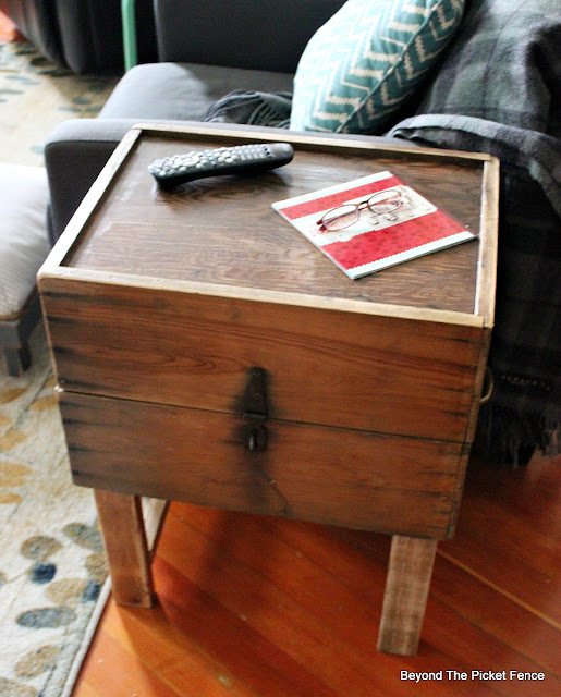rustic end table, furniture with storage, old crate, https://goo.gl/nfzf4R