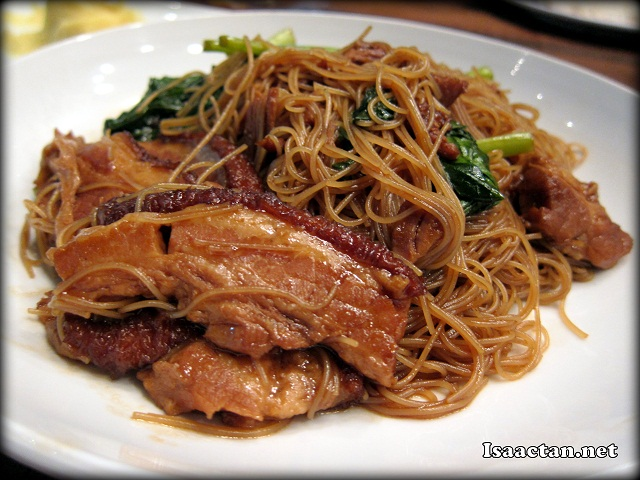 Braised Pork Belly Fried Meehoon - RM7.90