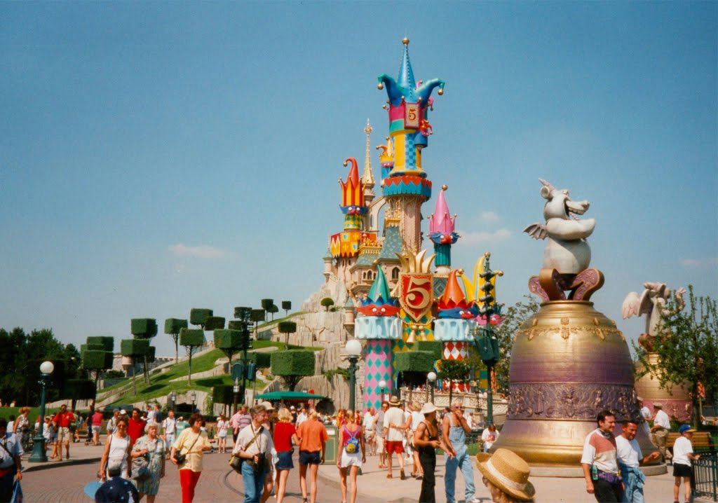 En la disneylandia del amor 1997 5 a os de magia de disneyland paris camino del 25 aniversario - Apartamentos en disneyland paris baratos ...