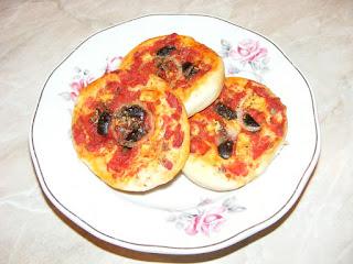 pizza, retete, aperitive, minipizza, pizzerie, gustari, retete de mancare, retete de post, pizza de casa,