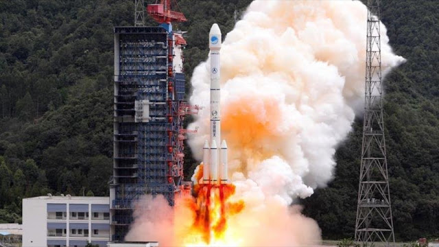 China pone en órbita dos satélites gemelos Beidou-3