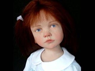Um caso assustador envolvendo uma boneca possuída por um entidade que causou terror a uma familia, Anabelle
