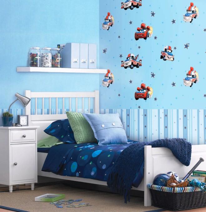Motif Wallpaper Dinding Kamar Anak Laki-Laki Tema McQuin