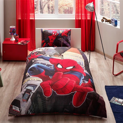 Taç Lisanslı Spiderman İn City Ranforce Nevresim Takımı