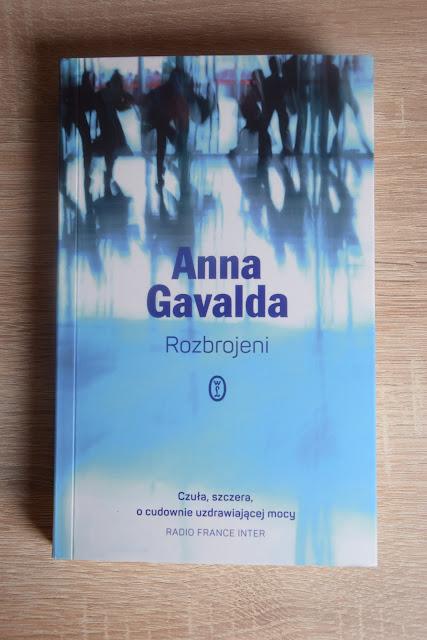 """Recenzje #53 - """"Rozbrojeni"""" - okładka książi Anny Gavaldy pt.""""Rozbrojeni"""" - Francuski przy kawie"""