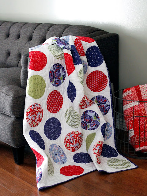 Simple Circles - a free quilt pattern from A Bright Corner