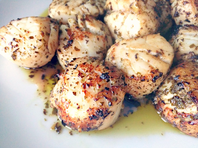 perfectly Seared Pesto-Marinated Scallops Recipe
