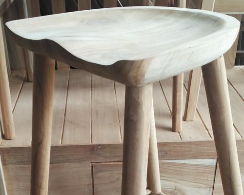 Tinuku.com Deplyrooms Studio showcased sculptured ergonomic design solid teak wood stool