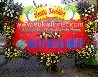 bunga-papan-pernikahan-cantik-dari-toko-bunga-surabaya-sukis
